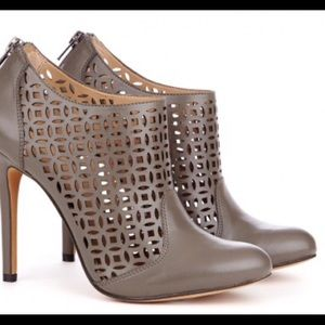 Sole Society So-zaily laser cut ankle booties